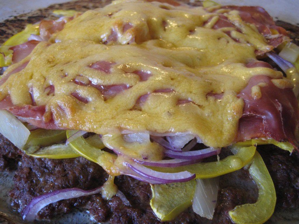 sund, meatzza, kødfuld pizza, kulhydrater, 5:2, opskrift, nem, lækkert