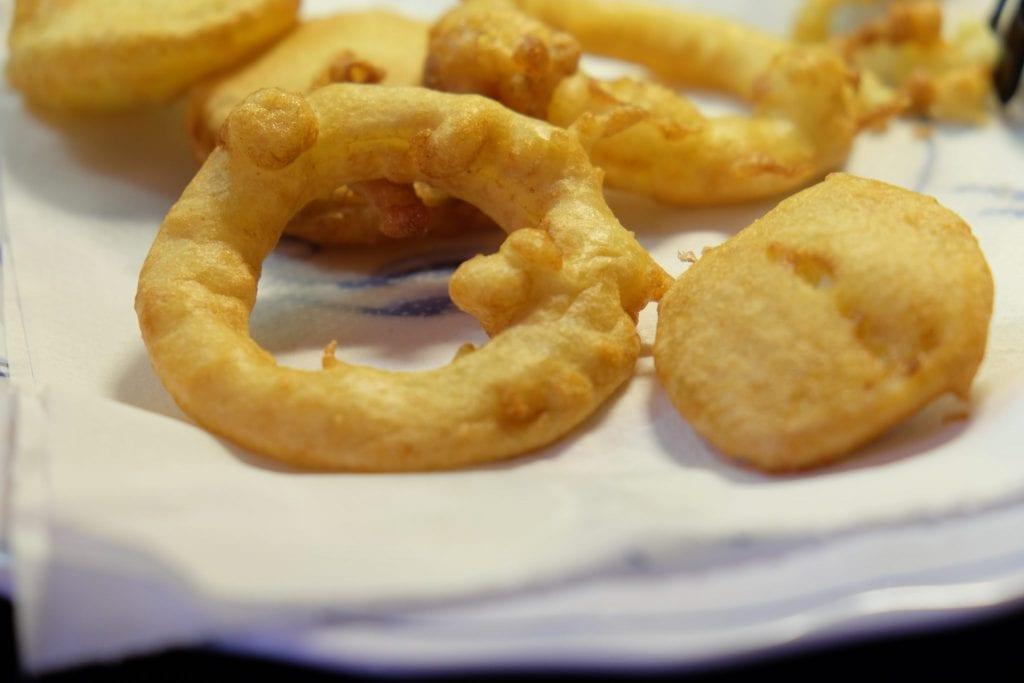 dybstegte, løgringe, dybstegt, beignet, tempura