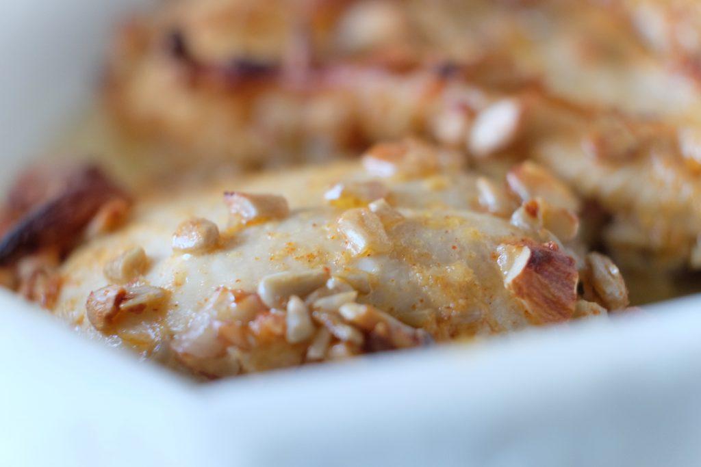 kylling med mandler, solsikkekerner, opskrift, sundt, willowlounge.dk